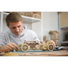 Українці створили перший у світі дерев'яний спорткар без електроніки